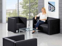 Lounge/ Sessel, Sofas und Beistelltische