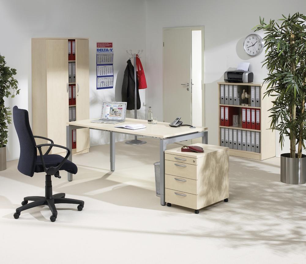 Schreibtische 4-Fuß Comfort MULTI M   Büromöbel und Betriebseinrichtung